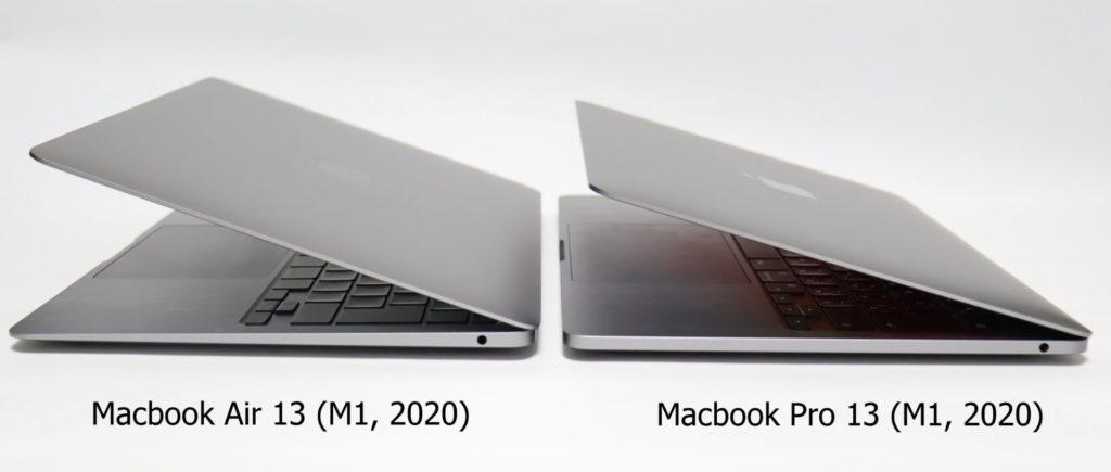 Macbook AirとProの画面を開いたところ