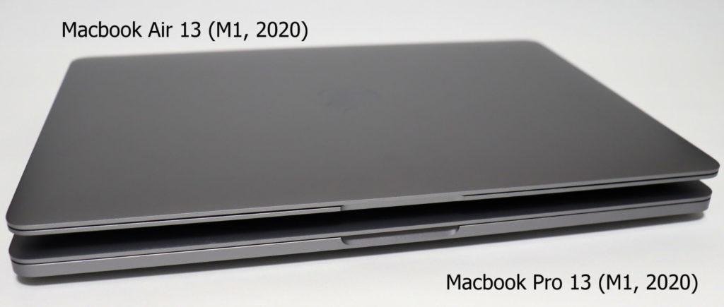 Macbook AirとProを重ねて正面から見てみると