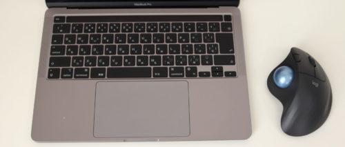 Logicool M575をMacbookと使っているところ