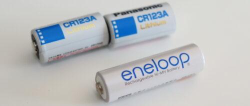 付属するPanasonic製のCR123Aリチウム一次電池