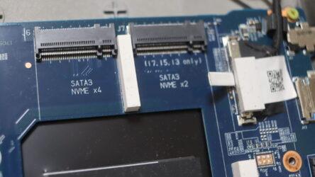 SATAとNVME両対応のスロットも多い